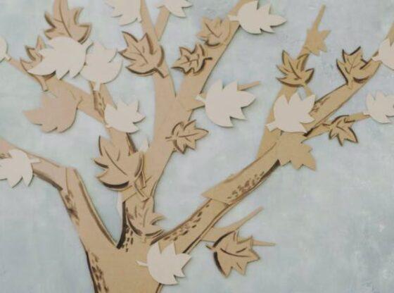 papir tapet formet som træ