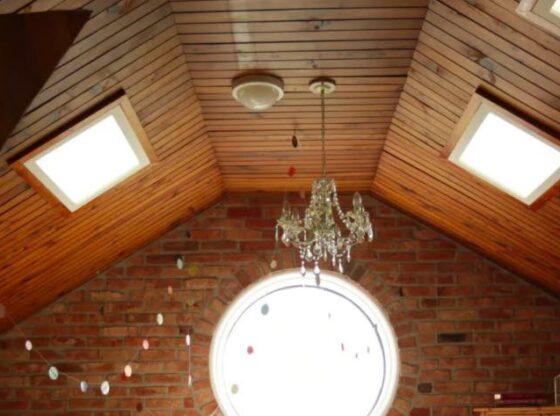 Træloft på øverste etage